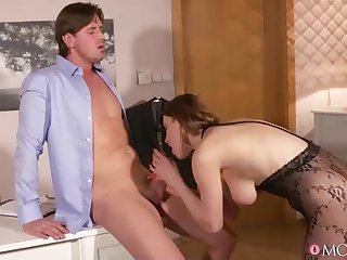 Once Victoria Daniels was done with a blowage, it was time for her to get boned