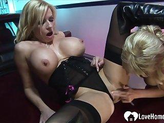 Blonde hottie in stockings gets plowed hard