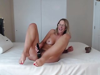 Hot Mature With Sexy Feet N Ass Shaking Riding Hard Big Black Cock