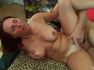Mature Daniela gets her tits camouflaged in warm sperm