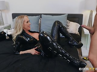 The black leather makes Brandi Love hornier for her friend's dick