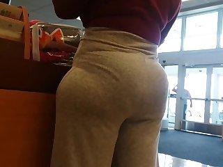 African Nut booty milf