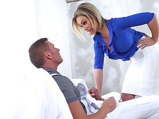 Hot cougar Chessie Kay hardcore porn video