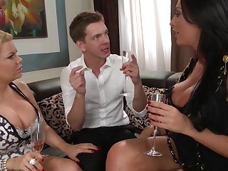 Markus Dupree bangs two MILFs Tiffany Kingston and Ava Koxxx