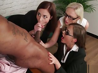 Office CFNM milfs deepthroating hard bbc