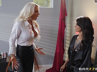 Hardcore toying and pussy licking with Nicolette Shea