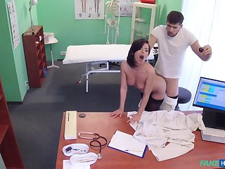 Shady doctor helps stunning Vicky Love fuck the pain away
