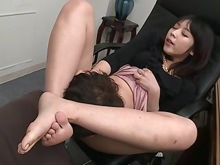 Nijikawa Sora indulges guy's foot fetish and love of oral in the office