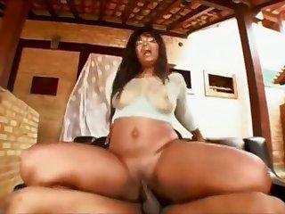 Pick Up Guy Screwed Brazilian MILF With Big Ass Safira