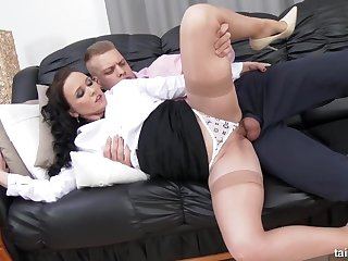 Ally Style - Sexy Ally Gets Showered By Her Assistant