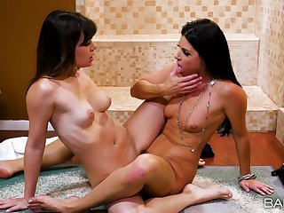 Smooth scissoring and pure nudity between mommy and the step daughter