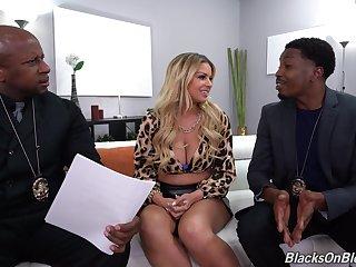 Nude Latina MILF fucks with two black cops