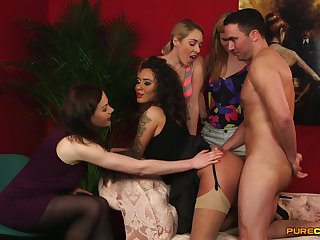 Dirty CFNM model Victoria Summers rides a dick in front of her friends